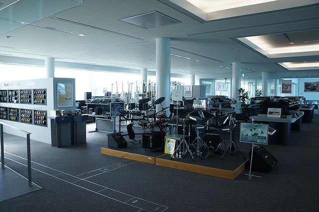 Roland_Hamamatsu_Laboratory_2