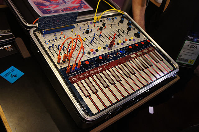 MUFF WIGGLER :: View topic - The New Buchla Music Easel