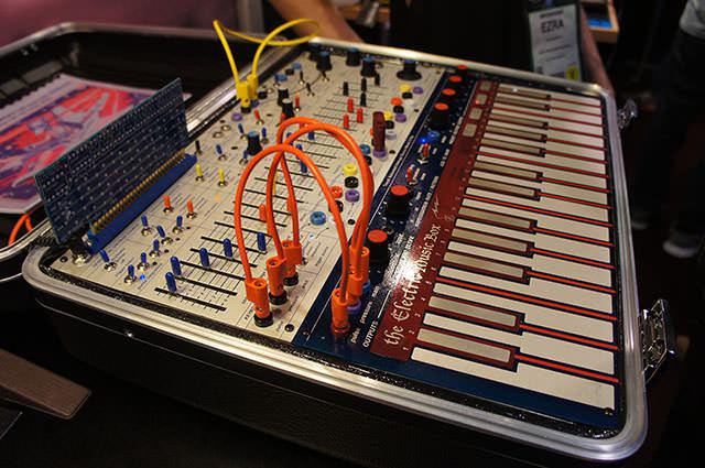 Buchla_Electric_Music_Box_2
