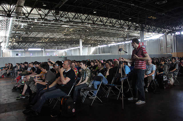 JAPAN_EXPO_HATSUNE_MIKU_Conference_1_19.jpg