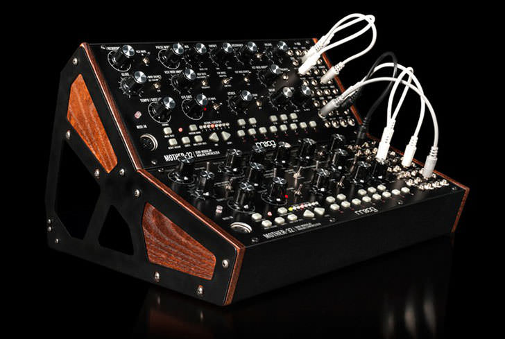 Moog Music - Mother-32