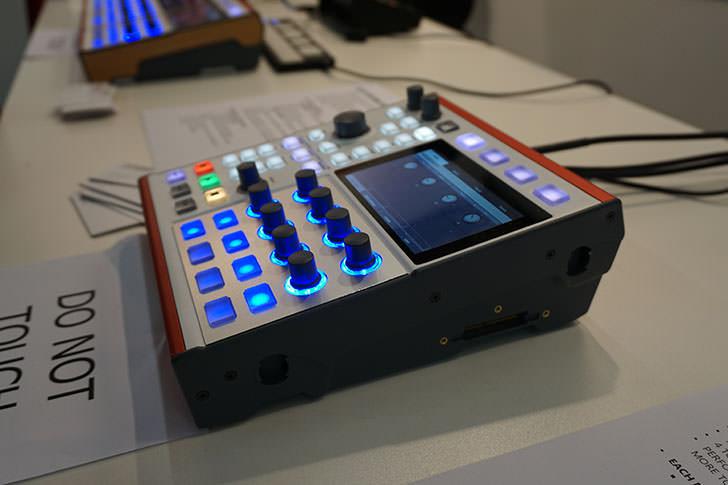 dasz-instruments-alex-4.jpg