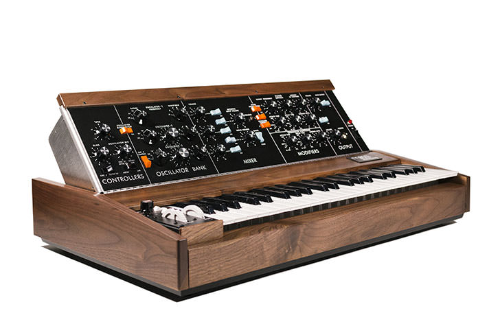 Moog Music - Minimoog Model D Walnut